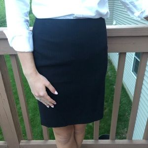 Navy pinstripe pencil skirt Banana Republic 00